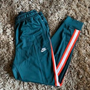 Nike Loose Fit Striped Joggers
